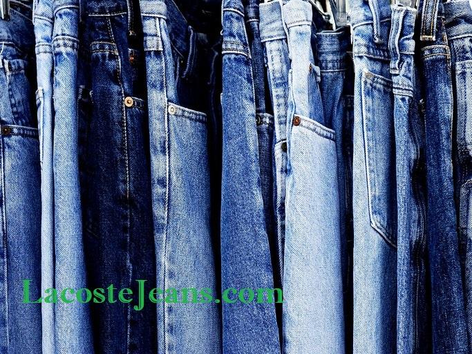 Jeans Levi's Kebut Produksi Namun Adakan Pemecatan Massal